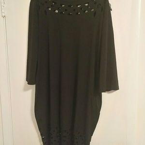 Dresses & Skirts - Openwork fitted little black dress